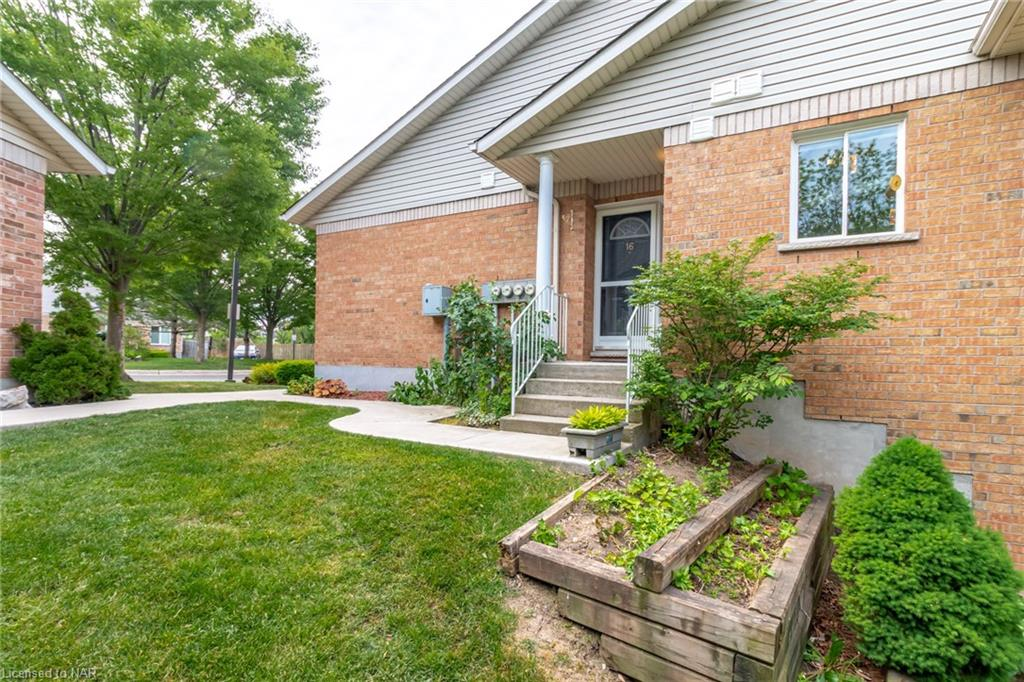 53 Bunting Road #16, St. Catharines, Ontario  L2P 3Y6 - Photo 4 - 40115800