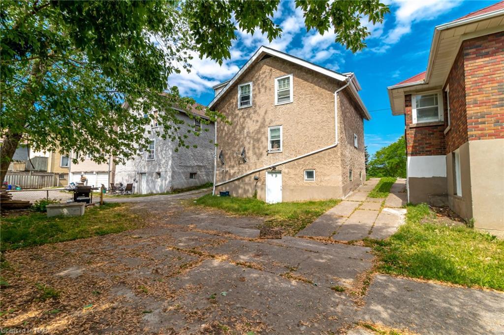 176 Niagara Street, St. Catharines, Ontario  L2R 4L9 - Photo 3 - 40121125