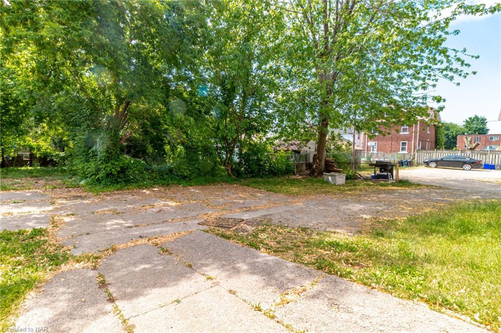 176 Niagara Street, St. Catharines, Ontario  L2R 4L9 - Photo 6 - 40121125